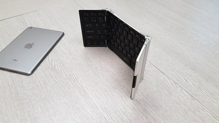 iClever Keyboard